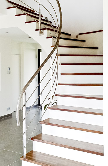 escalier balance blanc, aménagement intérieur