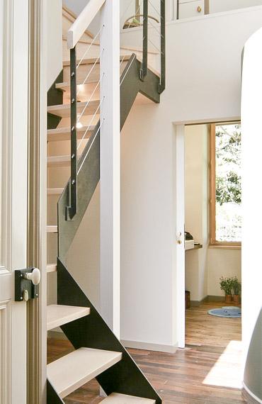 Réalisation d'un escalier noir et blanc
