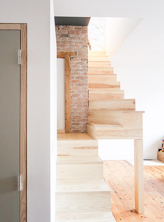 création 2 escaliers en 1 faits en bois